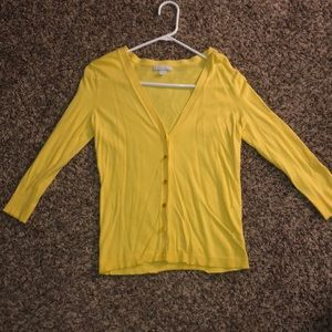 Yellow half sleeve sweater with buttons